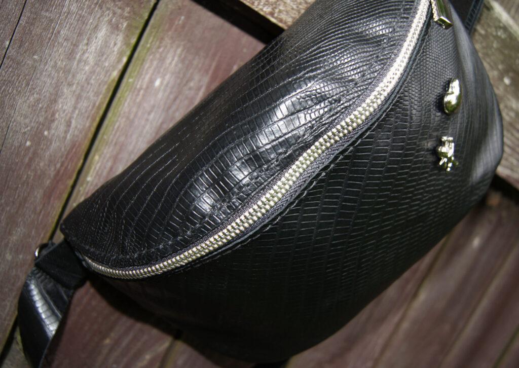 Кожаная сумка поясная