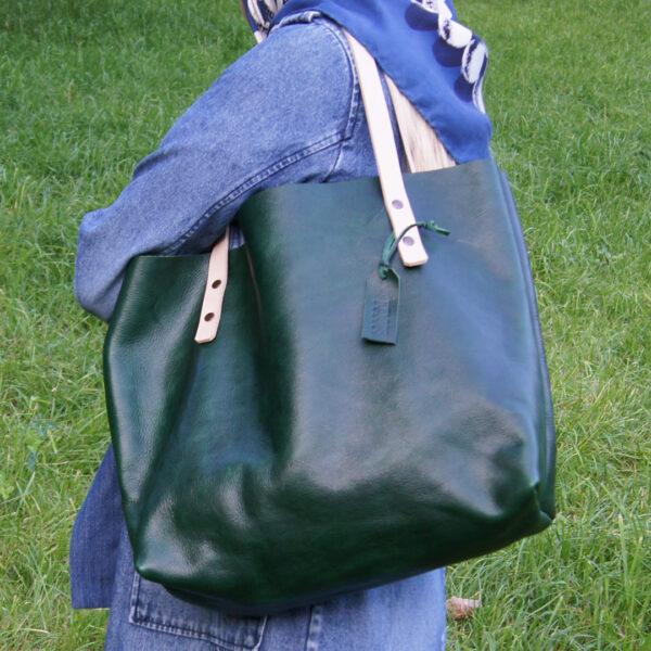 женская кожаная сумка totebag шоппер зеленая