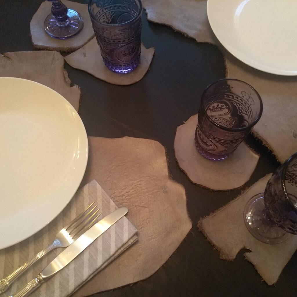 Сервировочные коврики из кожи для стола