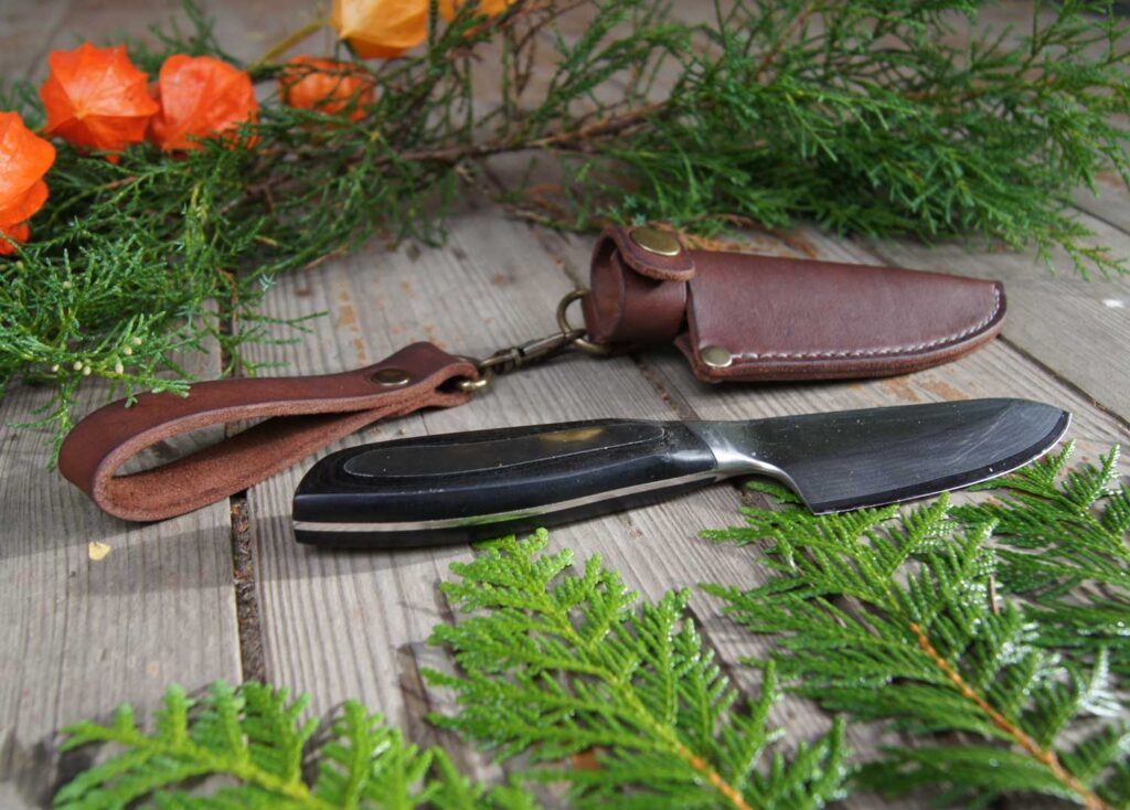 Ножны из кожи на ремень на заказ