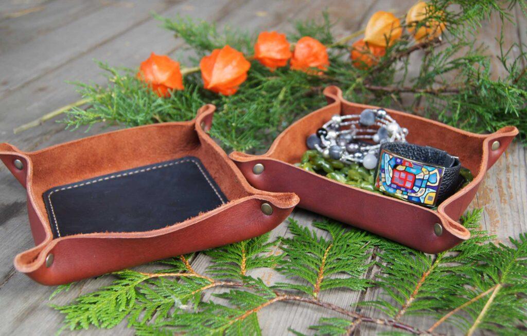 Кожаный лоток для украшений мелочей купить