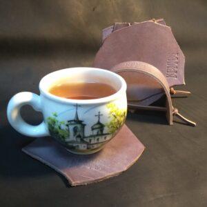 Кожаные подставки для чашек бокалов