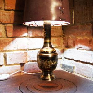 Светильник с кожаным абажуром