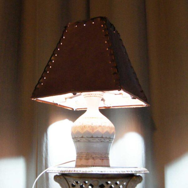 светильник кожаный абажур