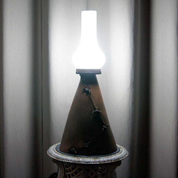 Лампа винтаж кожаная