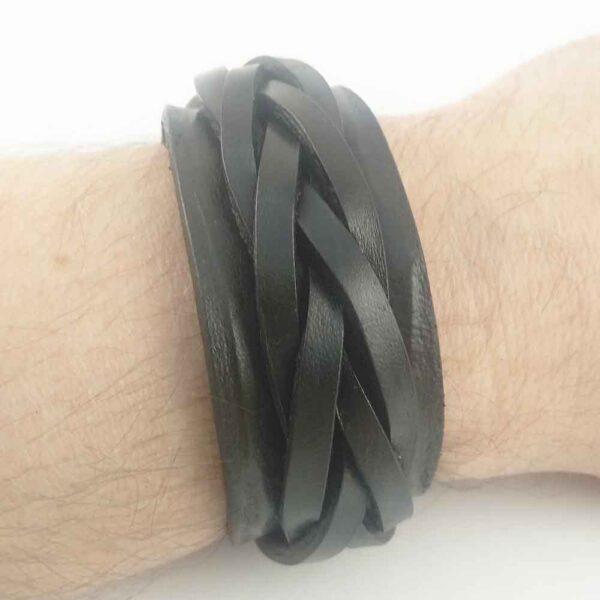 Черный браслет мужской